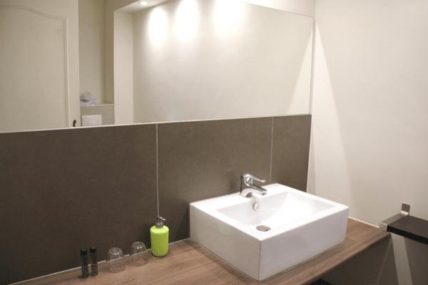 salle de bains new orleans auberge de auberge de vazerat. Black Bedroom Furniture Sets. Home Design Ideas